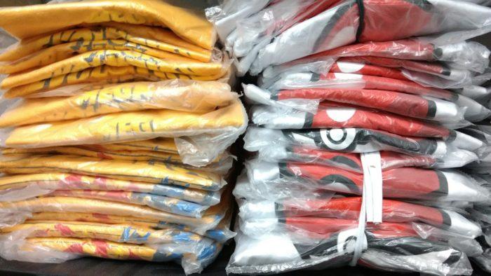 148be24ee A embalagem individual garante que as camisetas não sujem no manuseio de  transporte
